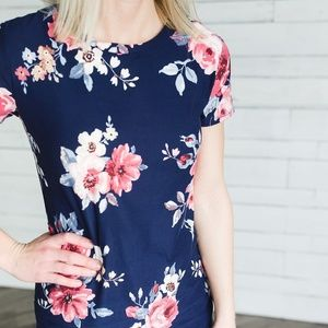🌺 Navy Floral Short Sleeve Tee Shirt Top🌺